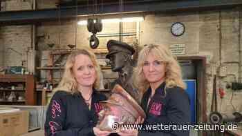 Elvis-Bronzestatue kurz vor der Fertigstellung - Wetterauer Zeitung
