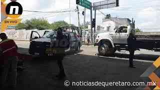 Chocan a Policías Municipales de Corregidora en el puente de Santa Barbara sobre la carretera a Coro - Noticias de Querétaro
