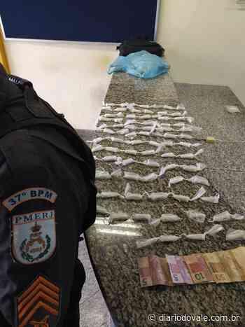 Jovem é preso por suspeita de tráfico de drogas em Penedo - Diario do Vale