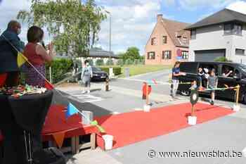 Harten Troef organiseert drive-in om diploma op te halen - Het Nieuwsblad