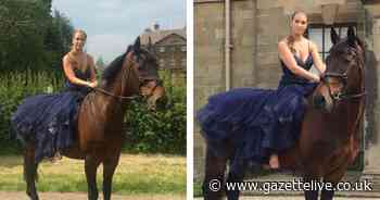 Teen creates prom day photo shoot on horseback after cancellation