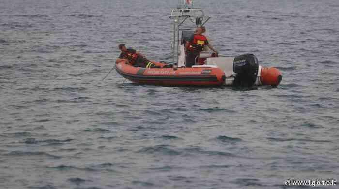Ispra, si tuffa nel lago e non riemerge: morto 27enne - IL GIORNO