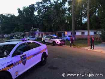 Gunman in custody after shooting at home on Northside of Jacksonville - WJXT News4JAX