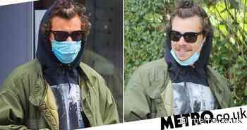 Harry Styles rocks man bun as he goes shopping in London - Metro.co.uk