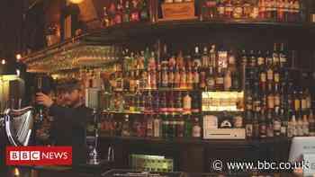 Coronavirus: Pub opens at midnight as lockdown eases