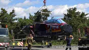 Manching: Tornado am Haken - Erstes von drei Ausstellungsflugzeugen nach Manching gebracht - donaukurier.de