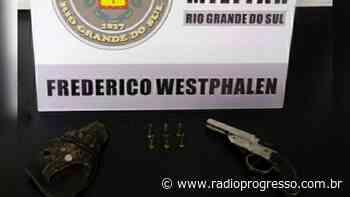 Arma de fogo é apreendida durante fiscalização em bar em Frederico Westphalen - Rádio Progresso de Ijuí