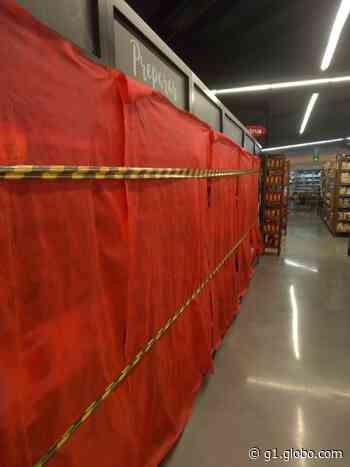 Supermercados 'escondem' produtos não essenciais após prefeitura publicar decreto - G1
