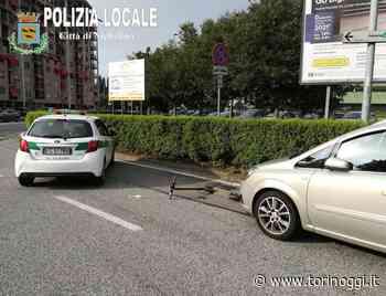 Nichelino, auto travolge monopattino: solo ferite lievi per la 40enne sbalzata a terra - TorinOggi.it