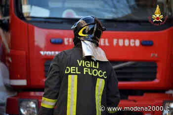 Code per mezzo pesante in fiamme sulla A1 tra Terre di Canossa e Parma, direzione di Milano - Modena 2000
