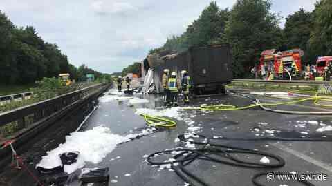 Unfall mit mehreren LKW auf A6 bei Bretzfeld - Laster brennt aus, ein Mensch stirbt | Heilbronn | SWR Aktuell Baden-Württemberg | SWR Aktuell - SWR