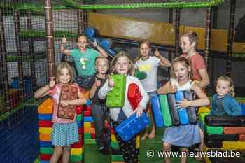 """Na pop-up op weide opent Saskia nu een permanent speelpark: """"Kinderen kunnen hier zowel binnen als buiten spelen"""""""