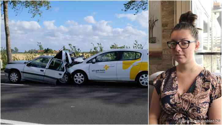 """Jade (18) komt heelhuids uit zware autocrash veroorzaakt door onoplettende bestuurster: """"Waarom geen terugkomdag voor ervaren bestuurders in rijschool?"""""""