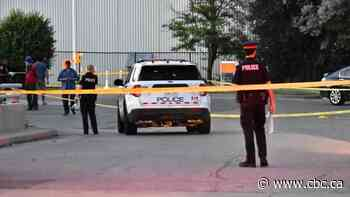 SIU notified after Peel police shoot and injure robbery suspect in Brampton - CBC.ca