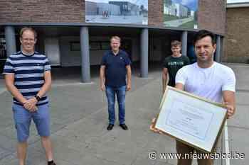 Project 'Eigen Kweek' laat leerlingen kennismaken met STEM via eigen serre - Het Nieuwsblad