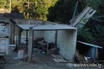 Vendaval danifica telhados das secretarias de Obras e Pesca de Bombinhas - DIARINHO