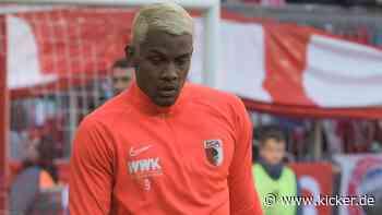 FC Augsburg: Sergio Cordova hofft auf eine Leihe - kicker - kicker