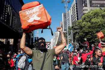 Masiva movilización de trabajadores de aplicaciones en San Pablo y otras ciudades brasileñas - la diaria