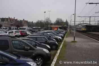Onderzoek wijst uit: niet genoeg parkeerplaatsen op voormalige goederenkoer aan station - Het Nieuwsblad