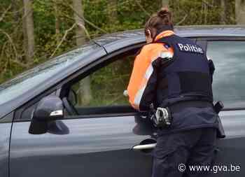 Agenten krijgen bodycams om riskante interventies te filmen - Gazet van Antwerpen