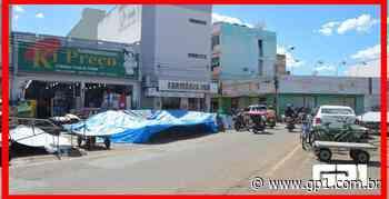 Prefeitura de Picos manda desmontar bancas da Praça Justino Luz - GP1