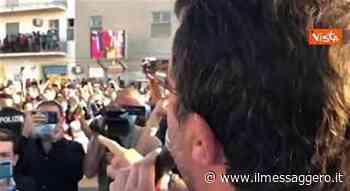 Salvini ai contestatori a Barcellona Pozzo di Gotto: «Mantenete voi i migranti» - Il Messaggero