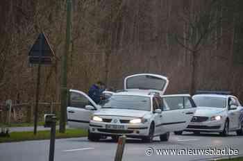 Dief vervolgd voor poging doodslag op agent, politie die vijftien keer op hem vuurde niet vervolgd - Het Nieuwsblad