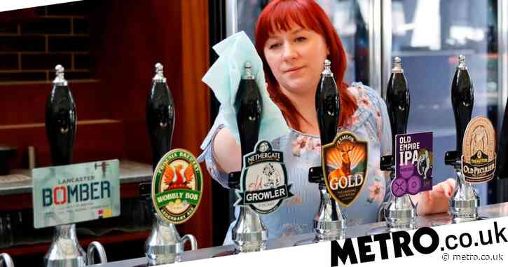 Wetherspoons customers to give name and phone number each time they go to the pub