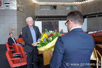Langjähriger Amtsleiter verlässt die Stadt nach 50 Jahren: Rüdiger Staib verabschiedet - Pforzheim - Pforzheimer Zeitung