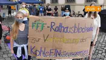 Demo: Fridays for Future campen am Augsburger Rathausplatz