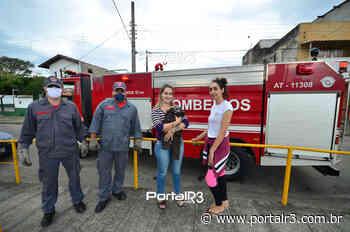 Bombeiros resgatam gato que caiu no bueiro em bairro de Pindamonhangaba - PortalR3