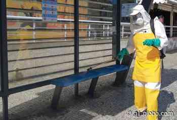 Pontos de ônibus passam por desinfecção nesta quarta em Cabo Frio, no RJ - G1