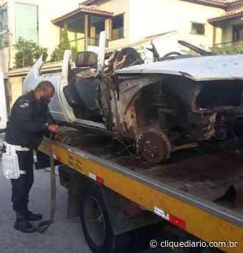 Ordem Pública de Cabo Frio realiza operação para retirar carros abandonados em espaços públicos - Clique Diário