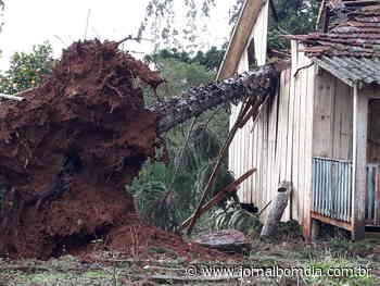 Secretaria da Agricultura de Erechim realiza reparos no interior após temporal - Jornal Bom Dia