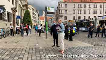 Polizeiaufgebot am Rathausplatz: Aktivisten dringen in Rathaus ein