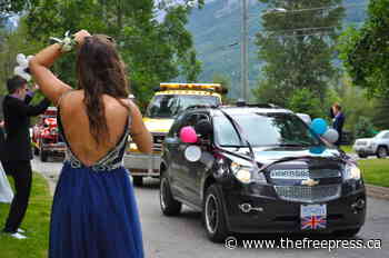 Fernie seniors celebrate graduation with a reverse parade - Fernie Free Press