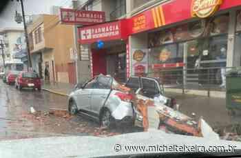 Temporal: Em Lages, carro é totalmente destruído (Vídeo) - Michel Teixeira