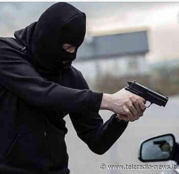 Aversa- Uomo rapinato presso l'Unicredit in viale della libertà - TeleradioNews