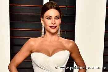 Sofía Vergara presume su millonario vestidor mientras luce sus ajustados jeans bagui blancos - Publimetro México