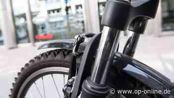 Schwerer Unfall: Auto und Mountainbike prallen zusammen - Kind schwer verletzt - op-online.de