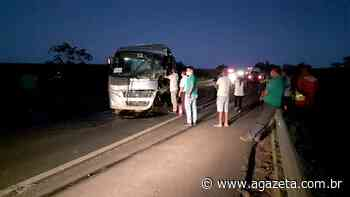 Ônibus com funcionários da Suzano colide com carreta na BR 101 no ES - A Gazeta ES