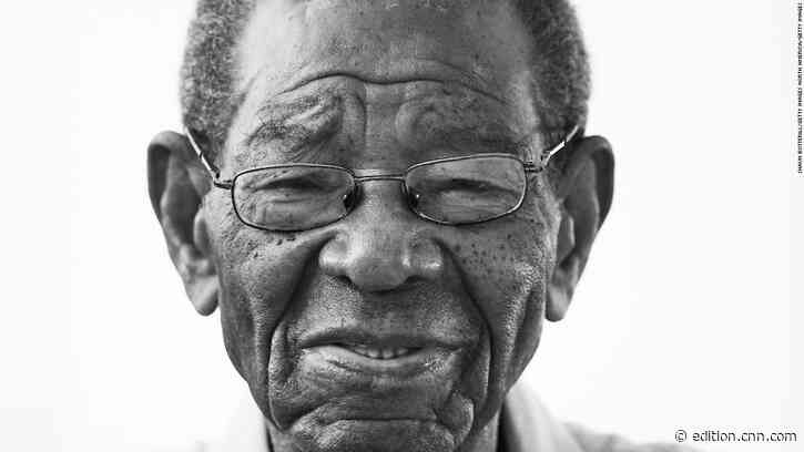 West Indies cricket legend Sir Everton Weekes dies aged 95 - CNN International