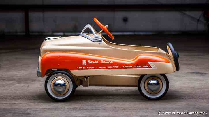 """RM Sotheby's Auction, """"Pedal Power,"""" of Pedal Cars Totals Almost $150,000"""