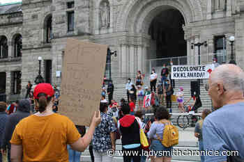 PHOTOS: Dual rallies take over Legislature lawn on Canada Day - Ladysmith Chronicle