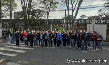 Transportadores escolares fazem manifestação em Diadema - Diário do Grande ABC