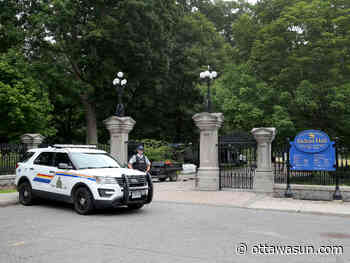 RIDEAU HALL: Armed member of Canadian Armed Forces arrested on the grounds - Ottawa Sun