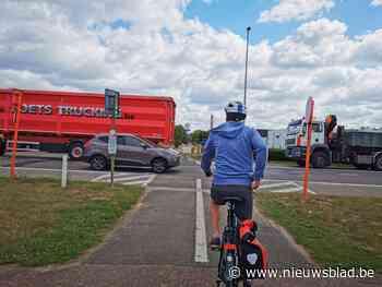 Oversteek Woluwelaan wordt veiliger voor fietsers: middeneil... (Vilvoorde) - Het Nieuwsblad