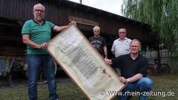 Von Kirchen nach Betzdorf: Heimatverein gibt Urkunde an BGV zurück - Rhein-Zeitung