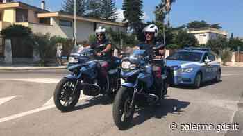 Rubano le borse alle donne intente a parcheggiare a Mondello: due arresti - Giornale di Sicilia
