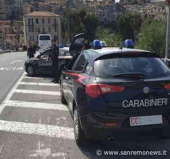 Imperia: rubano in una spiaggia libera del Prino, due giovani fermati dai Carabinieri - SanremoNews.it